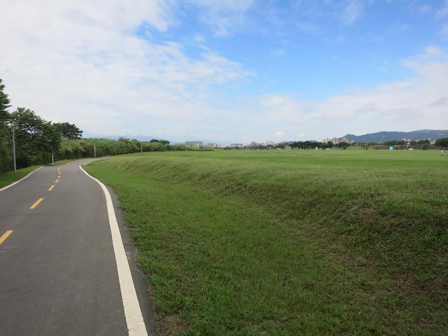 IMG_0211.JPG - 107.06.17-大漢溪左右岸自行車道O行騎