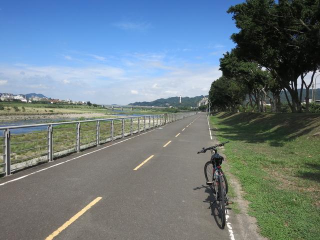 IMG_0219.JPG - 107.06.17-大漢溪左右岸自行車道O行騎