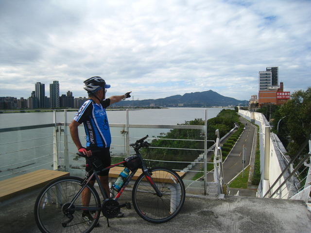 IMG_0204.JPG - 107.11.25-觀音山單車