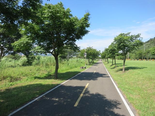 IMG_0223.JPG - 107.06.17-大漢溪左右岸自行車道O行騎