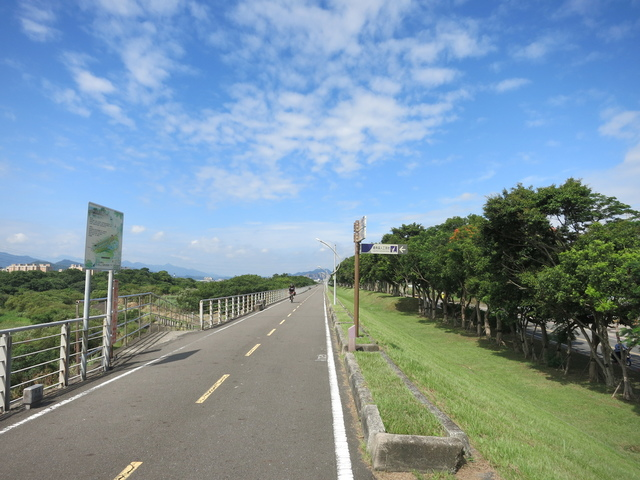 IMG_0215.JPG - 107.06.17-大漢溪左右岸自行車道O行騎