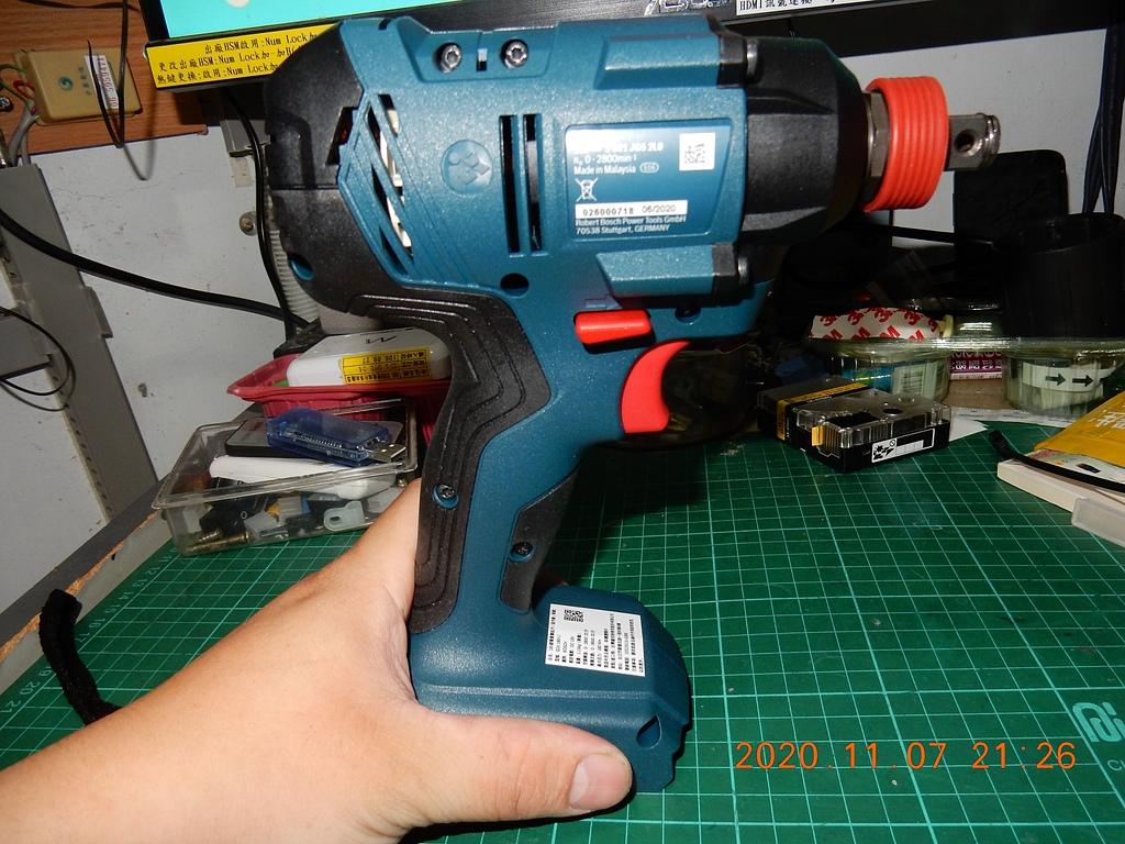 雙11的新玩具BOSCH GDX180-LI衝擊板手開箱5796