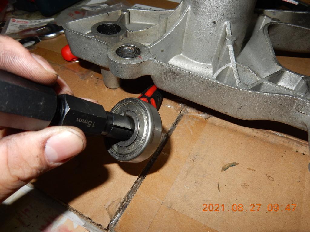 JET搖臂(排骨)更換油封軸承7973