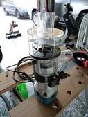 木工工具:牧田 RT0700C 修邊機 裝上 DIY的集塵杯