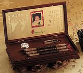盛湘堂胎毛筆 臍帶章 套盒組:盛湘堂胎毛筆 臍帶印章 訂製電話:02-8243-1838