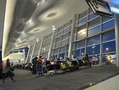 土耳其之旅 2013/3/20~3/30:IMG_2321伊斯坦堡機場候機室.JPG