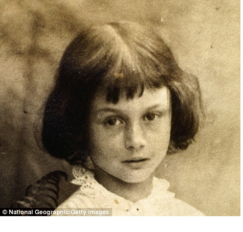 The real Alice, Alice Pleasance Liddell, daughter of the Dean of Christ.png - 2015