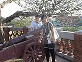 98臺南安平古堡:姊弟倆很高興