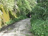 98單騎挑戰熊空山:翻過至高點,開始要下坡,前面這段路況不太好