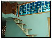 儷佰代售屋:樓梯旁2.JPG