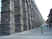葡萄牙、西班牙之旅 8:08-100塞哥維亞(Segovia)-羅馬水道橋.jpg