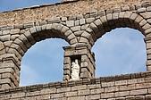 葡萄牙、西班牙之旅 8:08-105塞哥維亞(Segovia)-羅馬水道橋-聖母像.jpg