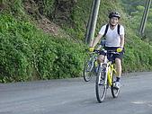 北大武山登山口:努力爬坡