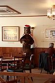 07.11.14.北海道.小樽:咖啡廳內的熊玩偶