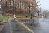 07.11.15.北海道.昭和新山:一旁的同事在拍紀念照