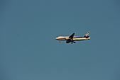 07.11.13.北海道.天鵝湖:又來一架飛機,繼續打