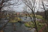 07.11.14.北海道.羊蹄湧水公園:從橋上拍左右兩旁的景色