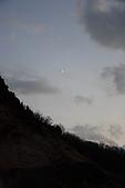 07.11.15.北海道.地獄谷:天色暗了,月亮出來了
