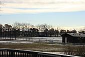 07.11.16.北海道.印第安水車公園:另一旁的空地已經是白茫茫一片