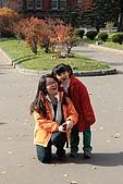 07.11.16.北海道.舊道廳:Tony家人在擺pose拍照