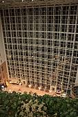 07.11.13.北海道.香檳城堡:飯店內往中庭方向的view