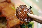 台灣鐵路-圓形木片盒懷舊排骨菜飯便當:2010-0407-009.JPG