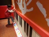 北斗麥當勞~開幕嘍:北斗麥當勞...遊戲室~彈琴