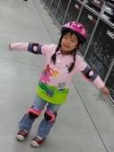 未分類相簿:在台中迪卡濃旗鑑店~玩運動設施