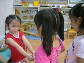 滿4歲生日~四季幼稚園跟同學分享生日禮物:跟同學分享我的生日小禮物