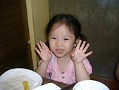 楊美美2歲半至3歲:台中南屯老街慶端午~三角街吃飯