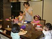 楊美美2歲半至3歲:社區黏土課~跟小星星老師及各位姐姐學做彩虹