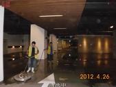 68-防滑止滑-停車場地面清洗:5清洗中 (1).jpg