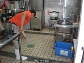 69-防滑止滑-溫泉飯店:17廚房施工中1.jpg