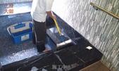 70-大理石浴室防滑止滑-黑色大理石浴室止滑施工:3施工中.jpg