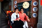 同學會 - 全球東海人之夜:三輪車跑得快,上面二個老太太。IMG_6251-.jpg