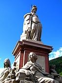 歧路 海德堡:                          老橋上有好幾座雕塑,十分精美,值得細細觀賞