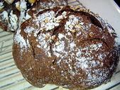 麵包の作品:免揉歐式麵包~之超美味『黑麥胚芽巧克力歐包』