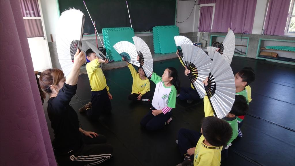 106下-舞蹈課扇子舞:DSC_1441.JPG