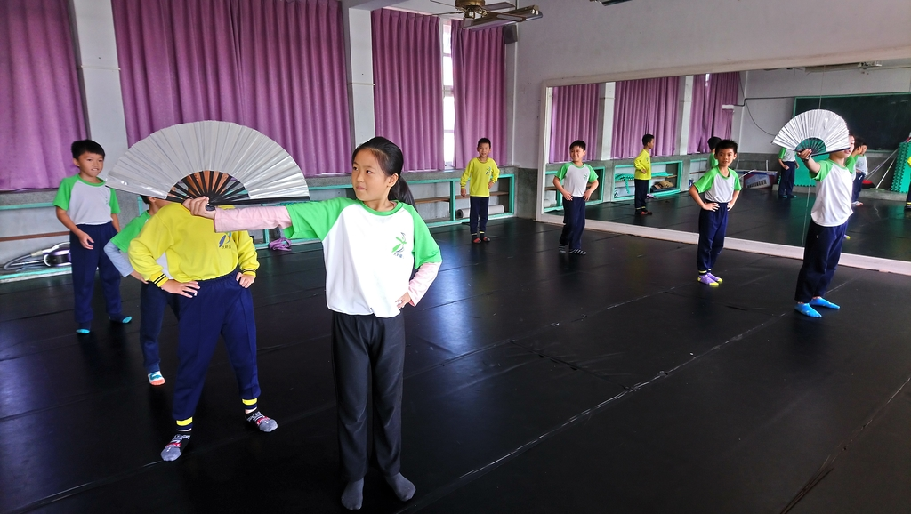 106下-舞蹈課扇子舞:DSC_1278.JPG
