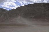 2014八月克什米爾拉達克之旅_拉達克篇02:20140816_014_列城(Leh)往利奇(Likir)路上的磁力山(Magnetic Hill)風光.jpg