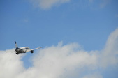 2014八月克什米爾拉達克之旅_拉達克篇02:20140816_009_列城(Leh)往利奇(Likirr)路上望印度國內班機的景觀.jpg