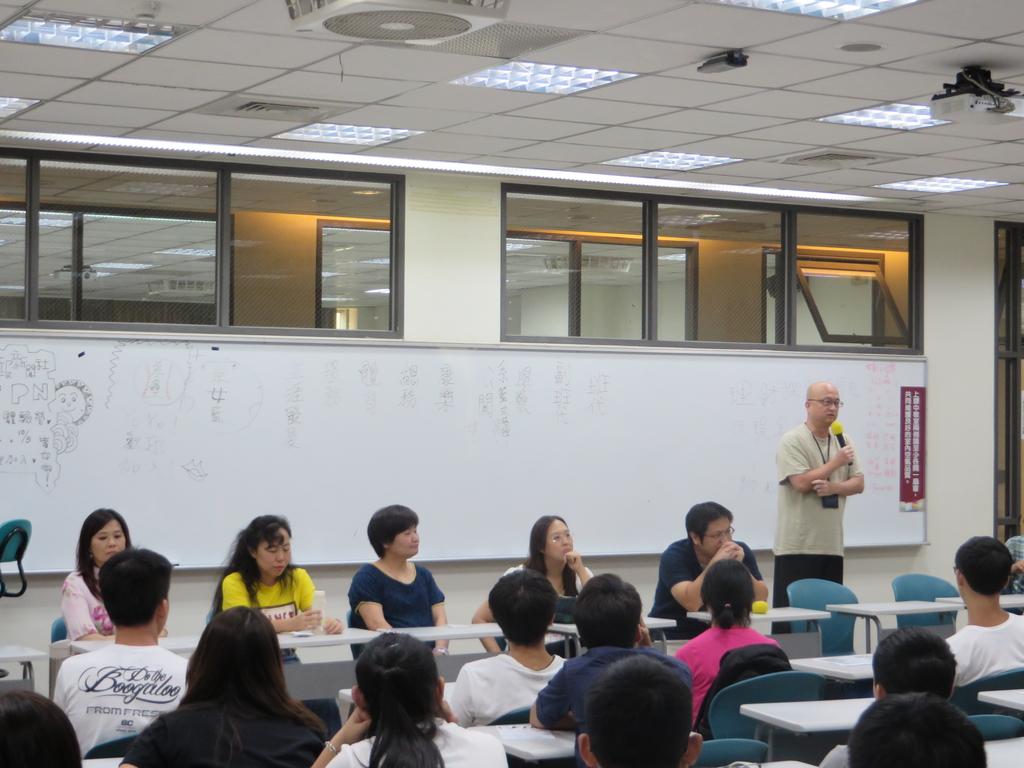 103新生始業式(大學部+碩專班):IMG_0383.JPG