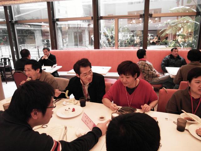100年專兼任教師聯誼餐會:1393922092.jpg