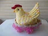 布小物:孵蛋的母雞.jpg