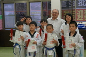 跆拳道晉級~~紅帶!:DSC05871.JPG