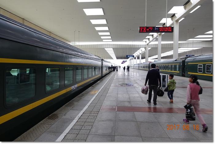 2017旅遊:0818搭火車至西寧.JPG