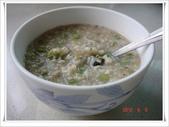 2012 料理:2012.06.09 早餐(豆豉吻魚菜豆粥).JPG