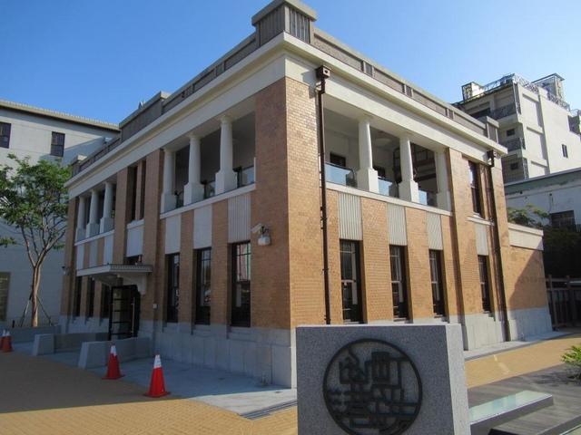 IMG_0425.JPG - 舊三和銀行和哈瑪星貿易商大樓整修新開放之行