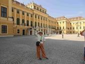 維也納熊布朗宮-瑪麗亞·特蕾西亞廣場-英雄廣場-新王宮1080827:1080827維也納012-熊布朗宮.jpg