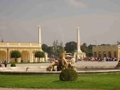 維也納熊布朗宮-瑪麗亞·特蕾西亞廣場-英雄廣場-新王宮1080827:1080827維也納051-熊布朗宮.jpg